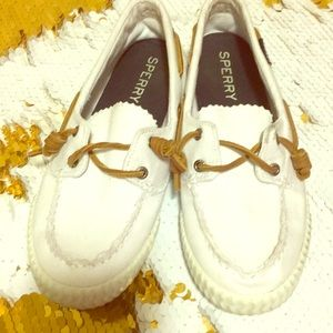 Sperrys white boat shoes